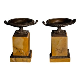 Fine Pair of Patinated Bronze Italian Grand Tour Tazzas, Mid-19th Century