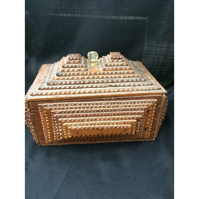 Early 20th Century Chip Carved Tramp Art Box - Image 2 of 7