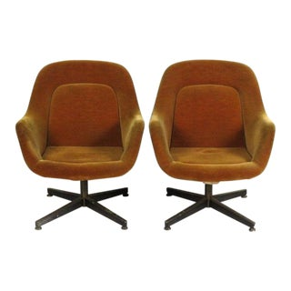 Vintage Knoll International Mid-Century Modern Armchairs - A Pair