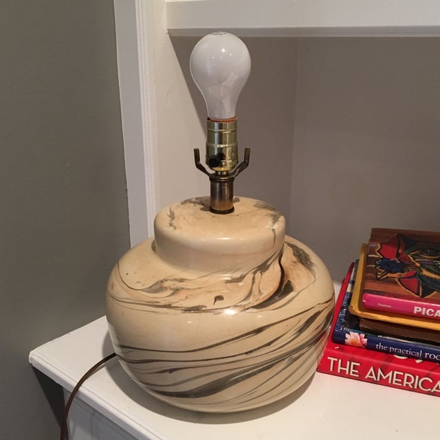 Vintage Swirled Pottery Table Desk Lamp - Image 2 of 4