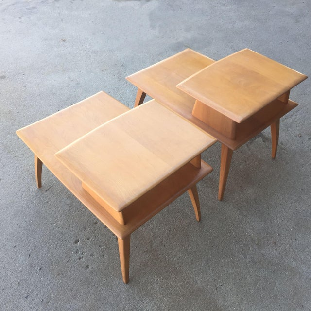 Pair of Heywood-Wakefield Champagne Blonde Saber Leg Side Tables - Image 3 of 11