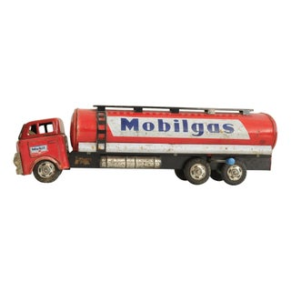 Mobil Gas Metal Toy Truck