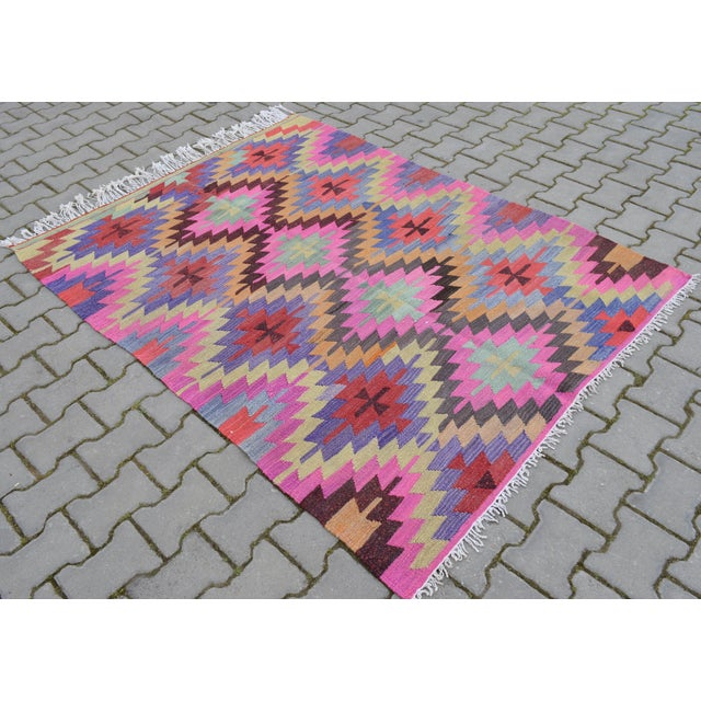Hand-Woven Turkish Diamond Kilim Rug - 4′7″ × 6′4″ - Image 5 of 9