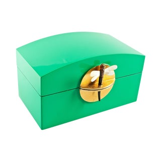 Kelly Green Lacquer Box With Mop Dragonfly Clasp