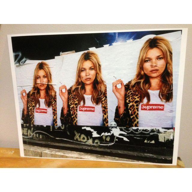 Kate Moss Supreme Street Photopgraphy - Image 2 of 3