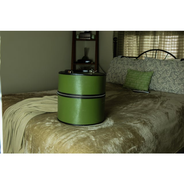 Image of Mid-Century Green Hat Storage Box