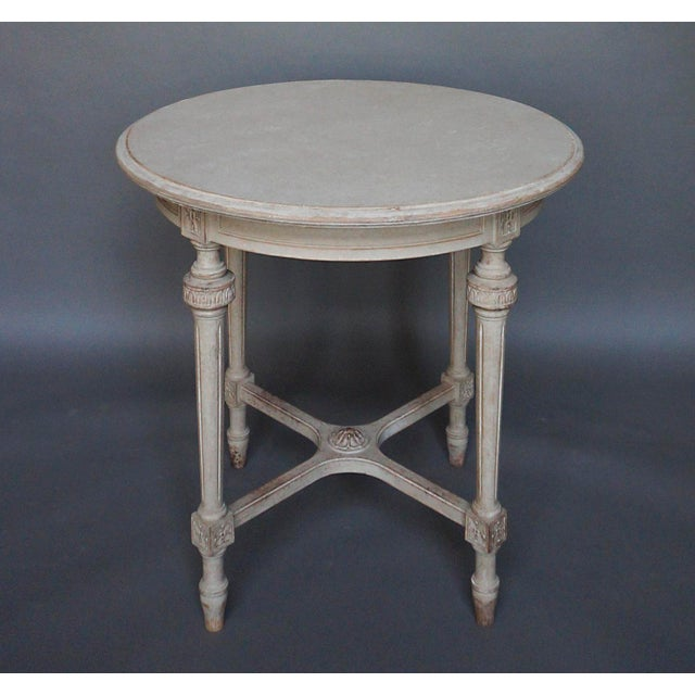 Sophisticated round swedish side table 52 25 decaso for Table induction 71 x 52