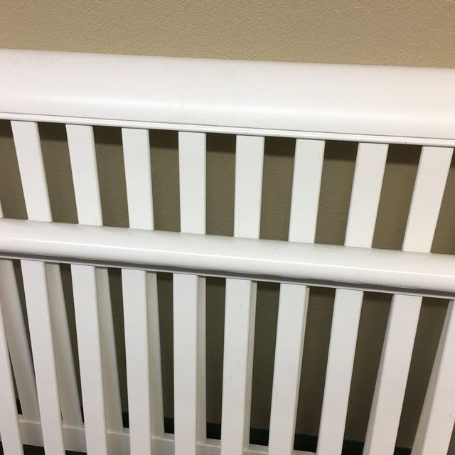 Stanley White Full Bedframe - Image 6 of 10