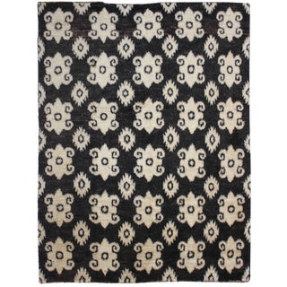 """Hand Knotted Ikat Rug - 9'2"""" X 8'3"""""""