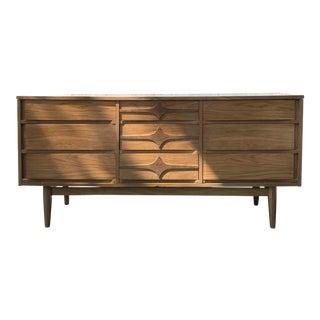 Kroehler Mid-Century 9 Drawer Dresser