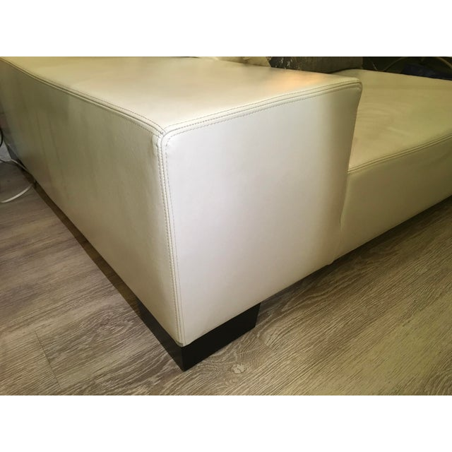 Modern White Leather Minimal Square Sofa - Image 6 of 10