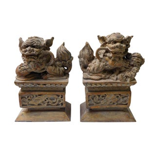 Handmade Pair Chinese Traditional Foo Dog With Rectangular Carved Base