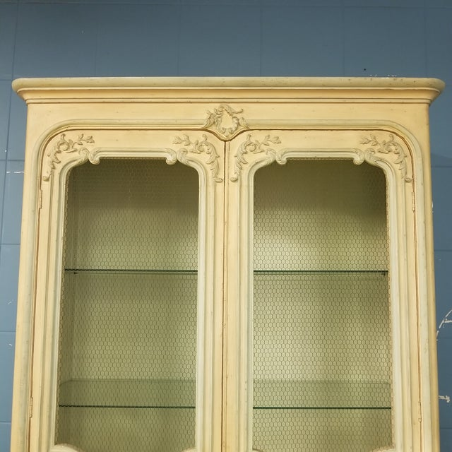 Baker French Provincial China Cabinet - Image 4 of 11