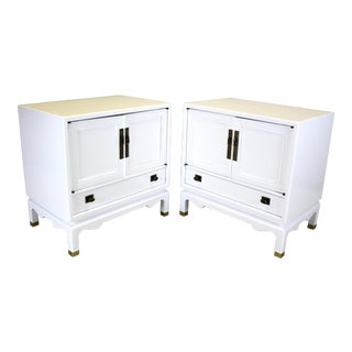 Mid-Century Modern White Lacquered Nightstands - A Pair