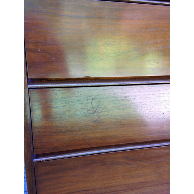 Mid Century Modern 4 Drawer Tallboy Dresser - Image 4 of 5