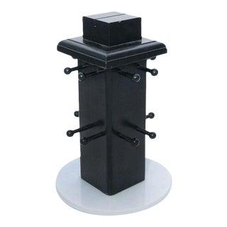 Black and White Rotating Display