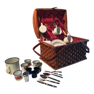 Vintage Picnic Basket With Enamel Dishes - 27 Pieces