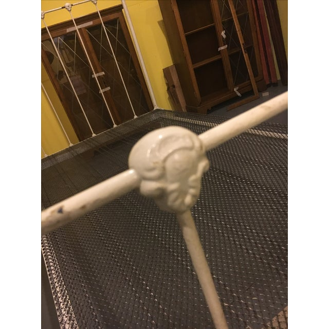 1904 Antique Victorian Brass & Iron White Bed - Image 4 of 11