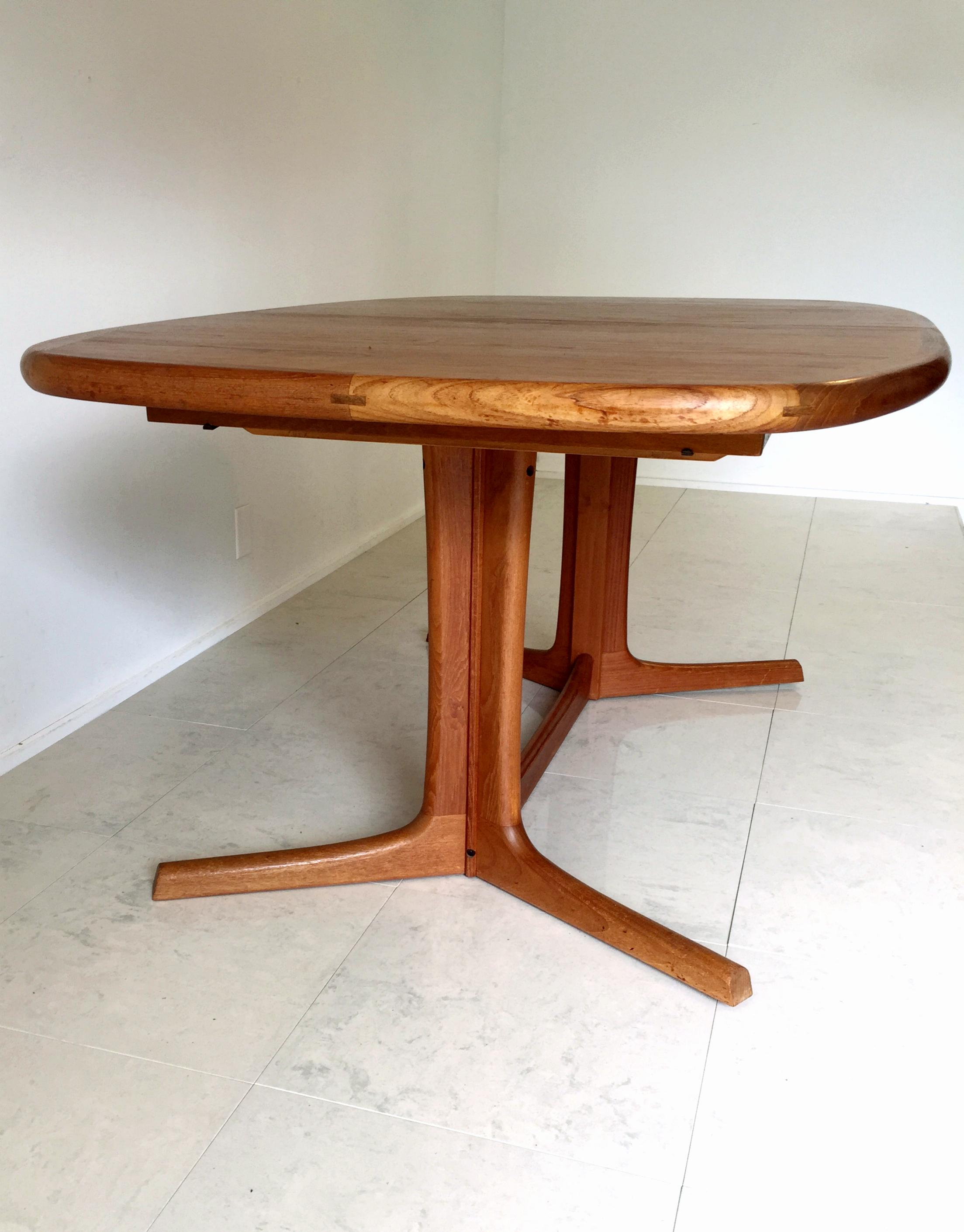 Vintage Danish Dyrlund Teak Dining Table   Image 6 Of 8