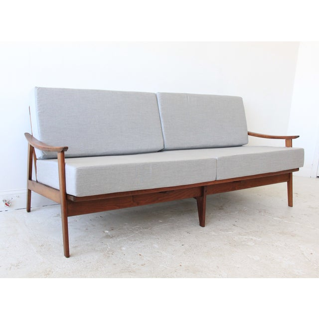 Mid-Century Modern Daybed in Light Gray - Image 2 of 7