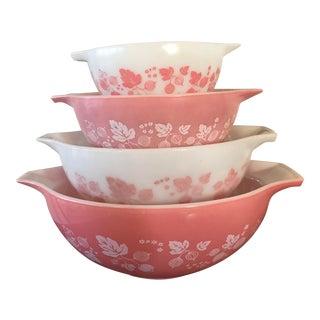 1950s Vintage Pyrex Pink Gooseberry Bowls - Set of 4