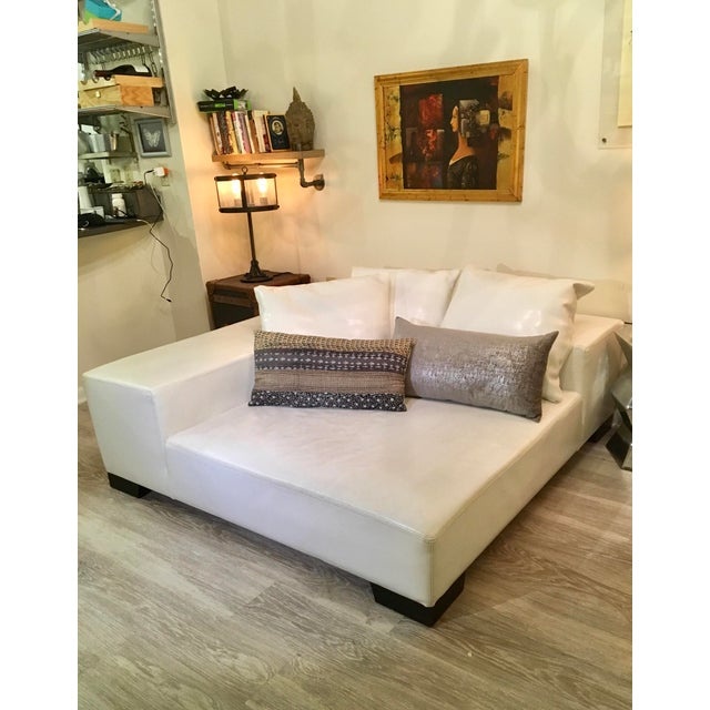 Modern White Leather Minimal Square Sofa - Image 8 of 10