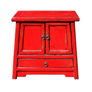 Red Lacquer Oriental End Table / Nightstand