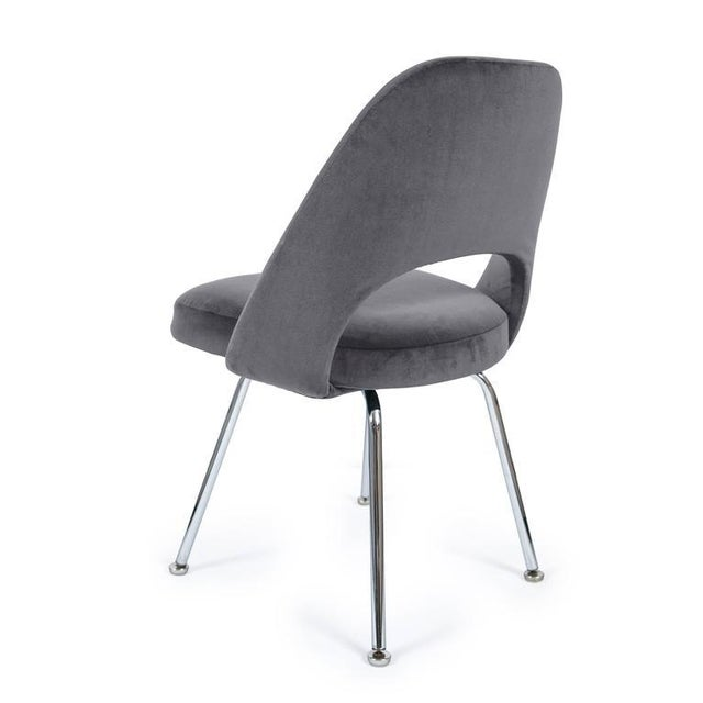 Saarinen Executive Armless Chair in Gunmetal Grey Velvet - Image 3 of 3