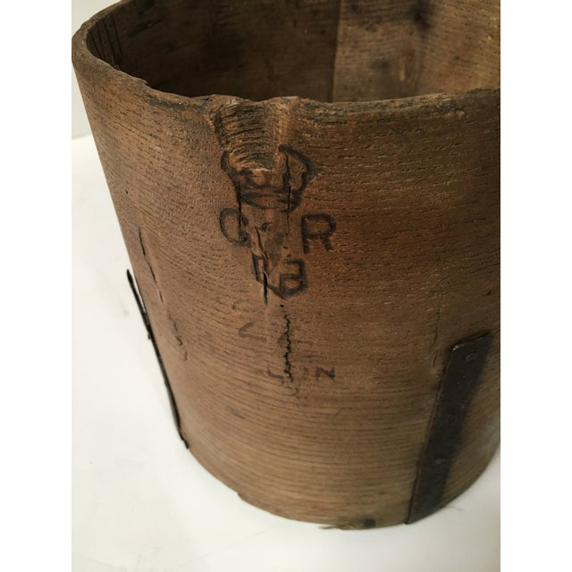 Antique British Hand Crafted Wooden Gallon Grain Holder - Image 5 of 9