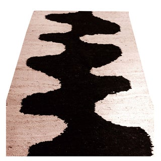 "Hand Woven Black & Cream Design Wool Rug 4'9""x8'2"""