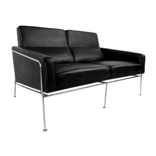 Arne Jacobson for Fritz Hansen Series 3302 Sofa