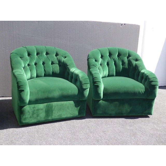 Vintage Pair of Mid Century Modern Tufted Green Velvet Swivel Club Chairs - Image 9 of 11
