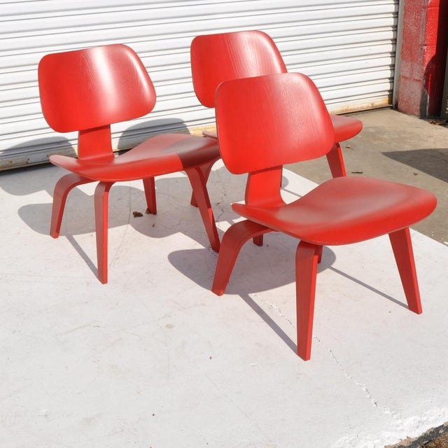 Red LCW Molded Lounge Chair - Image 3 of 6