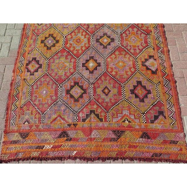 """Vintage Embroidered Turkish Kilim - 5'7"""" x 9'6"""" - Image 4 of 8"""