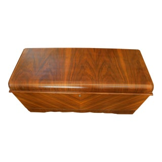 Lane Art Deco Waterfall Cedar Blanket Chest