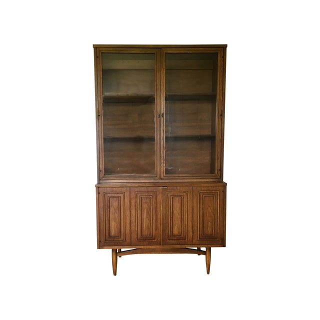 Image of Broyhill Sculptra Buffet With Hutch