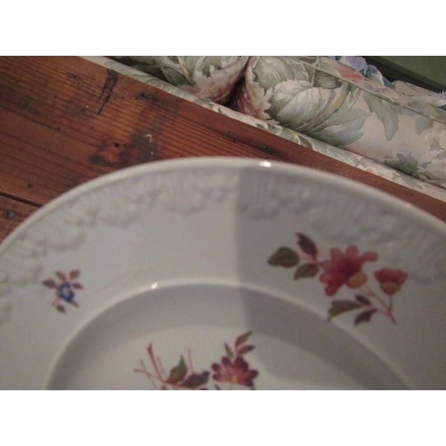 Vintage Floral Transfer & Embossed Wedgwood China - Set of 41 - Image 9 of 11