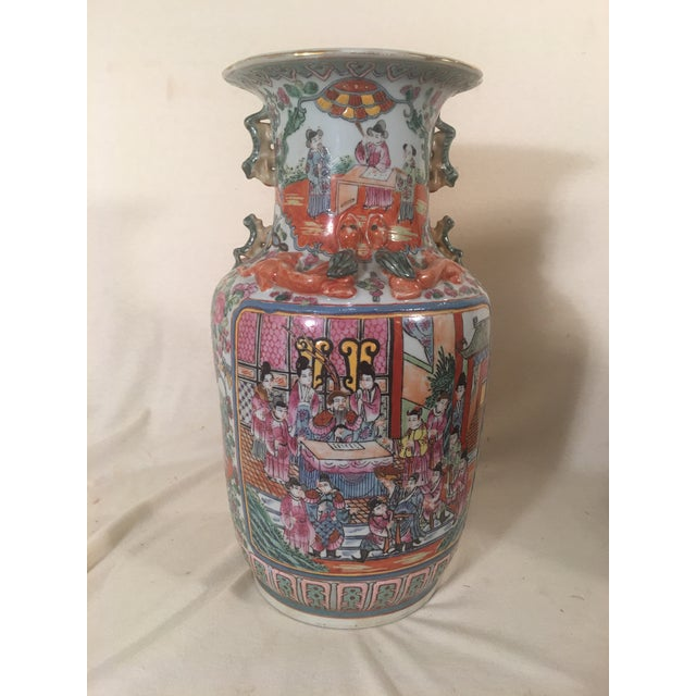 Chinese Rose Medallion Porcelain Vases - A Pair - Image 5 of 11