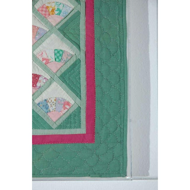 Miniature 1940s Pastel Fans Mounted Doll Quilt - Image 4 of 8