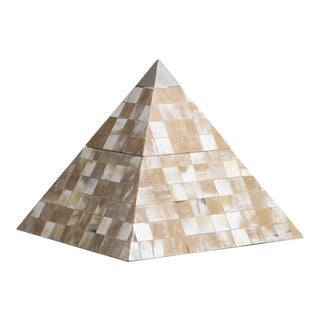 Maitland-Smith Tessellated Horn Lidded Pyramid Box, 1980s