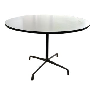 Eames by Herman Miller Round Table
