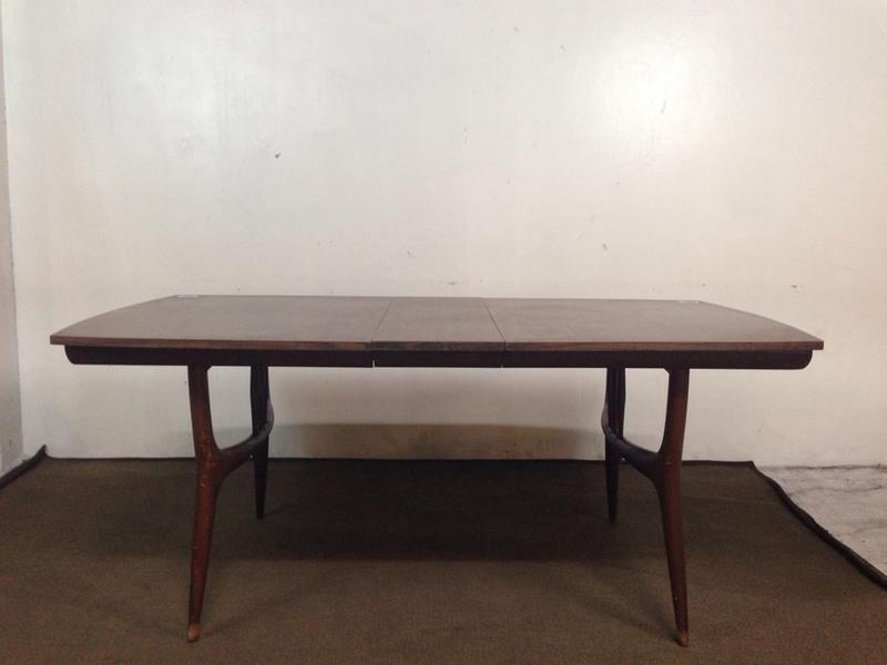 Mid Century Modern Carved Rosewood Dining Table Chairish : 1f9c39d3 63a5 42ea a8b1 195104a271beaspectfitampwidth640ampheight640 from www.chairish.com size 640 x 640 jpeg 26kB