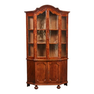 Late 18th Century Dutch Light Brown Walnut Display Cabinet with Shaped Top with a Key