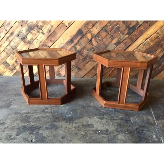 Mid-Century Brown Saltman Side Tables - A Pair - Image 4 of 5