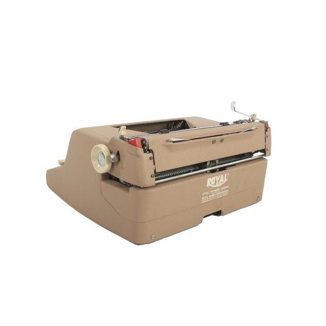 Image of Royal Quiet DeLuxe Typewriter