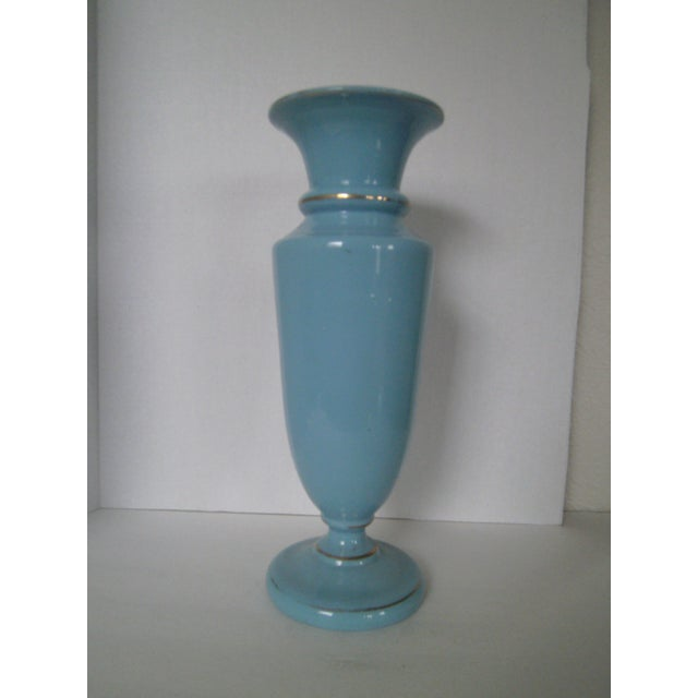 Large Robins Egg Blue Bristol Glass Vase - Image 4 of 7