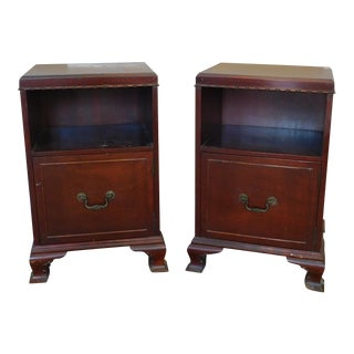 Pair 1950s Mahogany Traditional Rway Furniture Bedroom Night Table Stands