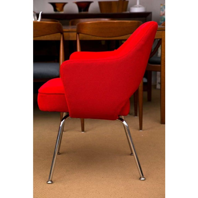 Saarinen Executive Armchair, Vintage Knoll Red Textile - Image 7 of 7