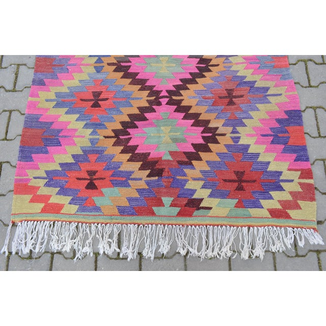 Hand-Woven Turkish Diamond Kilim Rug - 4′7″ × 6′4″ - Image 8 of 9