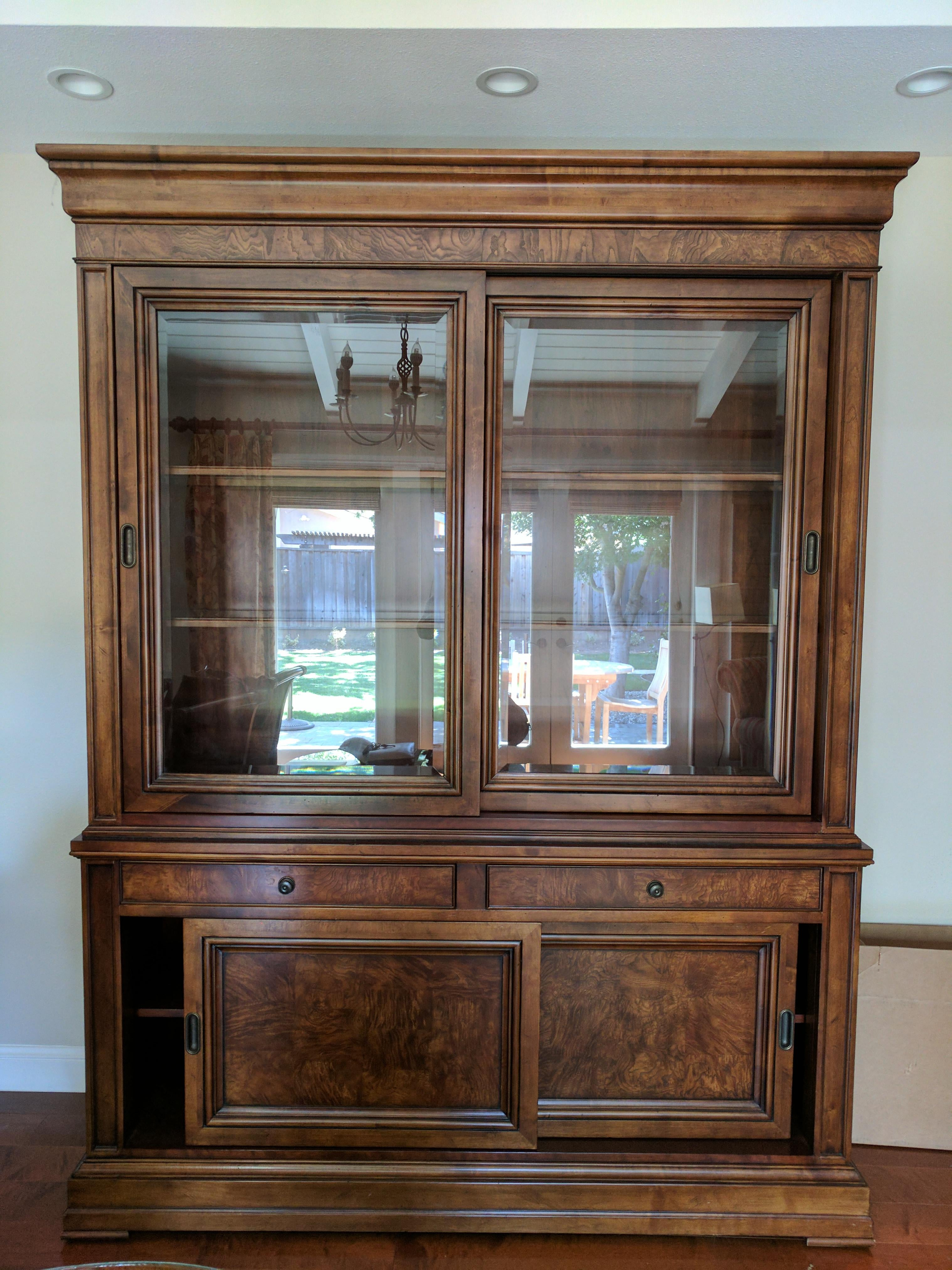 Ethan Allen Townhouse Collection China Cabinet   Image 2 Of 6